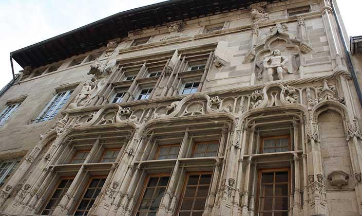 Maison Des Tetes Valence