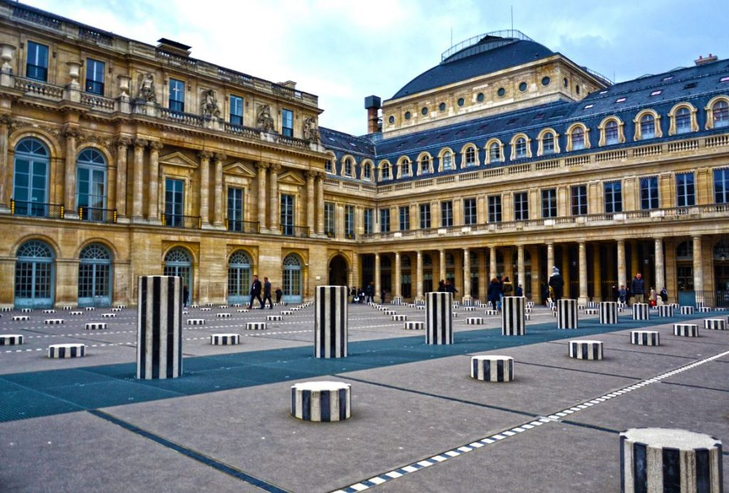 Colonnes De Buren