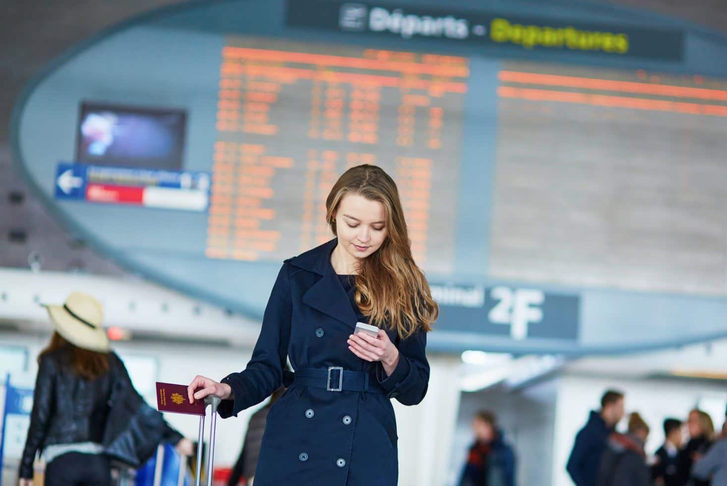 Femme Aeroport Telephone