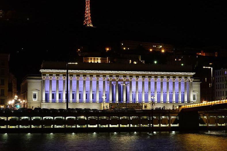 Palais De Justice De Lyon Vue De Nuit