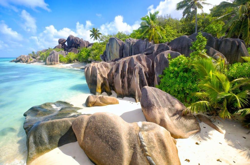Plage crique seychelles