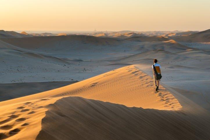 Randonnée sur les dunes de Namibie