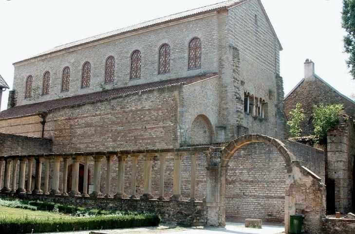 Saint Pierre Aux Nonnains