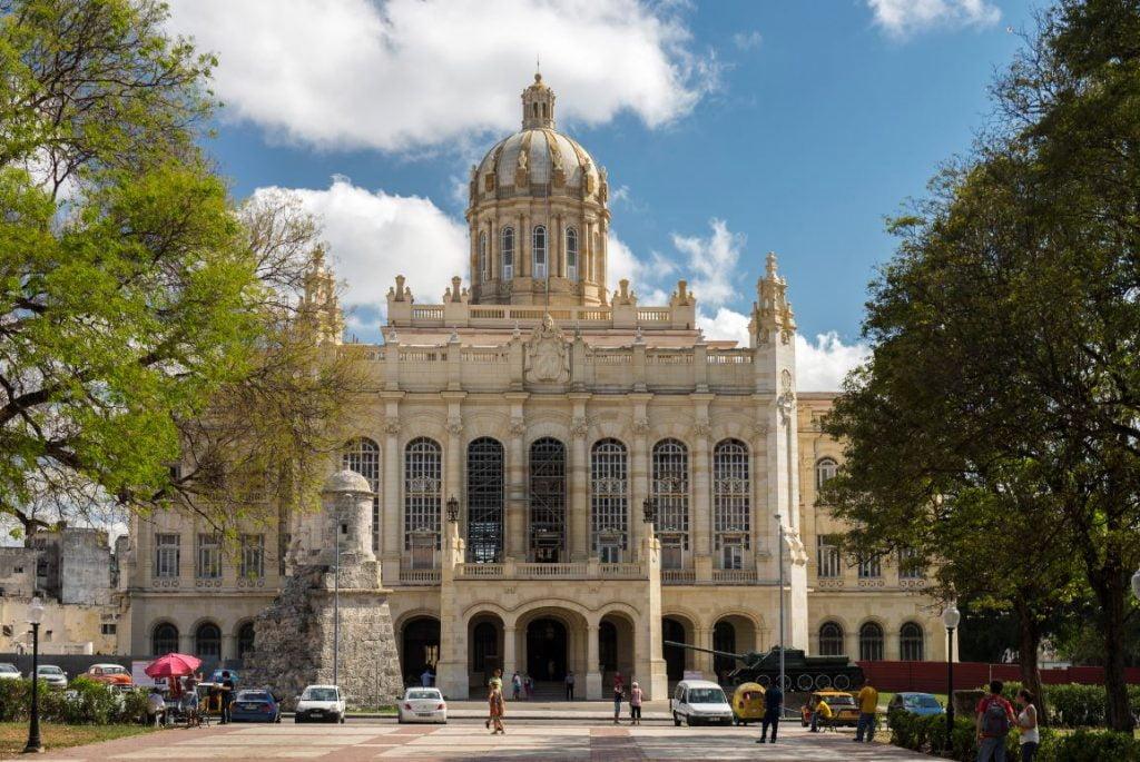 5. Musee Revolution La Havane