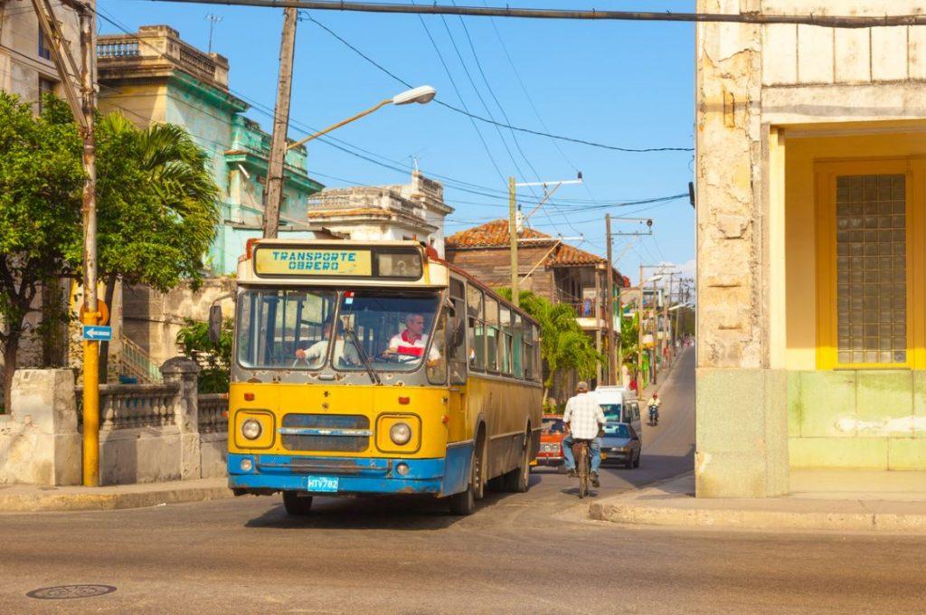 Bus Cuba