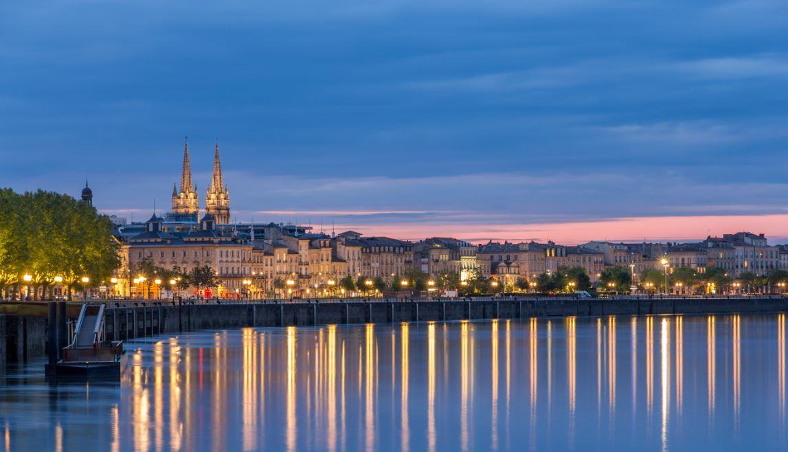 Vue Nocturne Bordeaux
